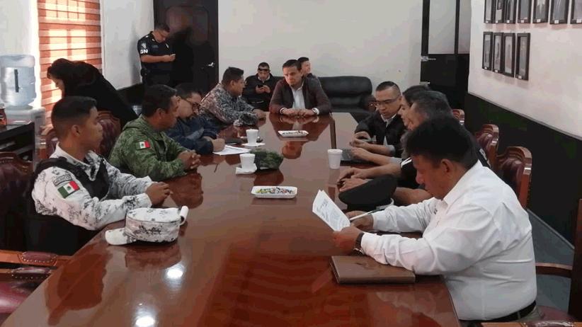 Se reúnen en Villanueva las autoridades de Seguridad