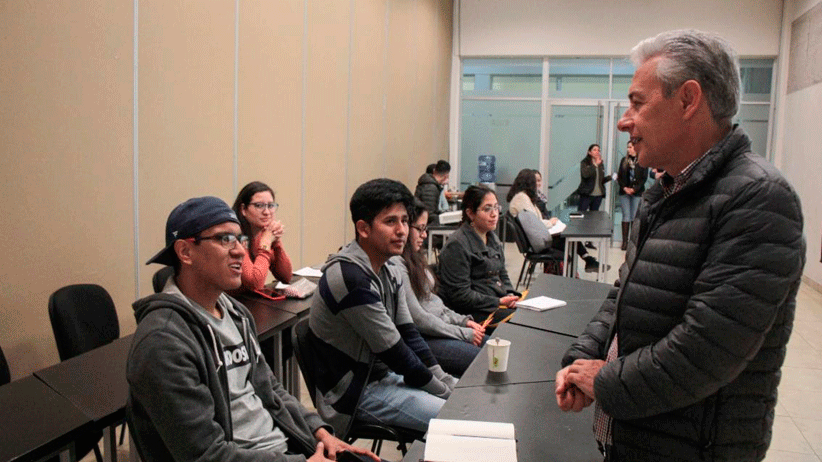 Gobierno del Estado apoya a jóvenes para estudiar en el extranjero