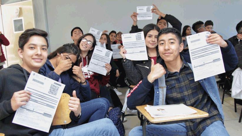 """Beca """"Benito Juárez"""" apoya la inclusión y permanencia escolar de los jóvenes zacatecanos"""