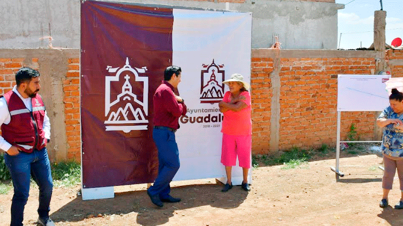 Entrega Julio César Chávez red de agua potable en Segunda de Luis Donaldo Colosio
