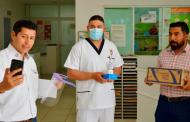 Entrega Julio César Chávez  equipo médico en centros de salud de Guadalupe