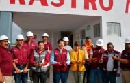 Entrega Julio César Chávez  rehabilitación del rastro municipal