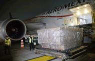 Llega cuarto vuelo con insumos para protección del personal de salud; ya son 6.4 millones las piezas importadas.