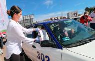 SEDIF apoya a taxistas con paquetes alimentarios y set para prevenir el contagio de covid-19.