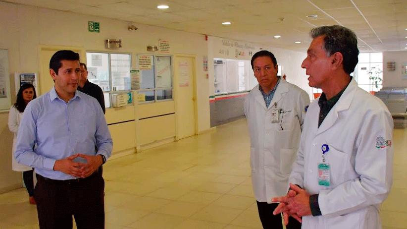 """""""Estamos en sus manos"""", dijo Julio César Chávez a médicos del Hospital de la Mujer"""
