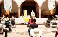 Miguel Torres Sigue entregando apoyos a personas en Villanueva con el Programa Empleo Temporal.
