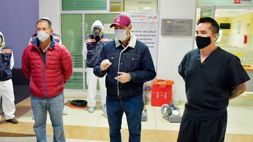 Sanitizan centros hospitalarios en Guadalupe.