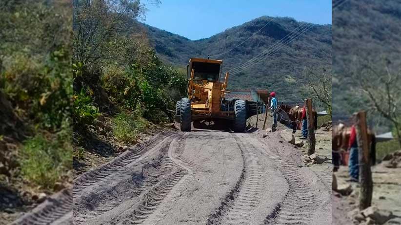 Gobierno Estatal continúa con la rehabilitación y pavimentación de tramos carreteros.