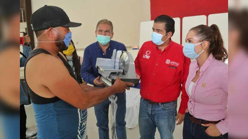 Se fortalecen pequeños comercios de Mezquital del Oro y Florencia de Benito Juárez
