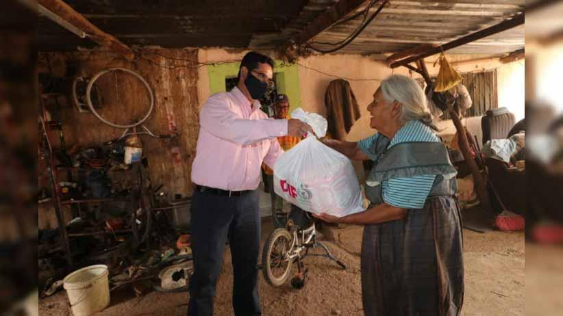 Familias vulnerables de Guadalupe reciben apoyos alimentarios del SEDIF