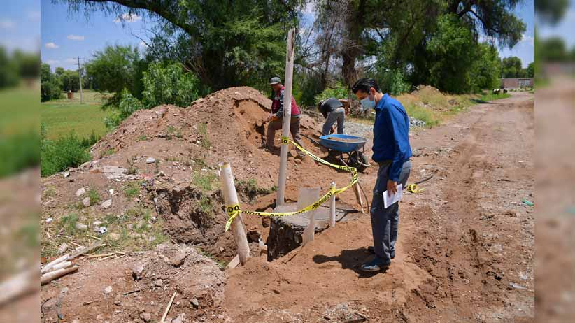 En Zóquite; supervisa Julio César Chávez rehabilitación de línea de drenaje