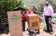 Entrega SEDIF apoyos a familias de la capital zacatecana.