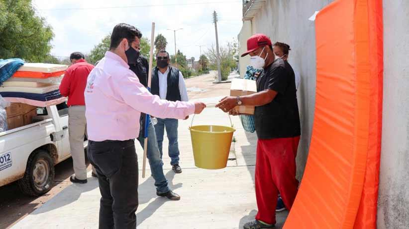 Inicia SEDIF con entrega de apoyos del Fonden para familias afectadas por lluvias