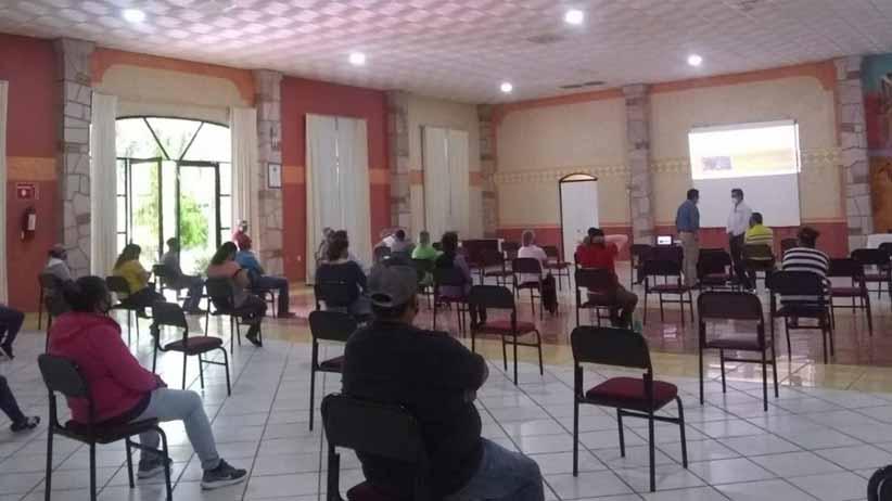 Capacitan a personal de Paraíso Caxcán para prevenir contagios de COVID 19