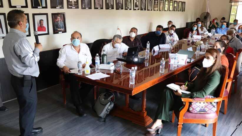Reciben médicos de Villanueva, capacitación para hacer frente al COVID-19