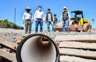 Entrega Julio César Chávez rehabilitación del acceso a Casas Coloradas