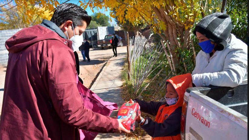Lleva Julio César Chávez las Brigadas Navideñas a comunidades de Guadalupe