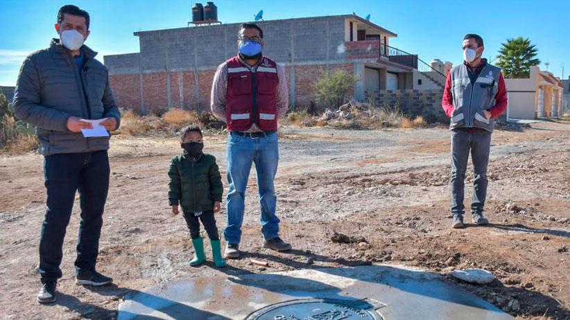 Mejoramos la vida de las familias guadalupenses: Julio César Chávez al entregar red de drenaje