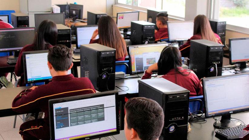 Cecytez emite fallos de licitaciones públicas para seguros de vida y servicios de internet