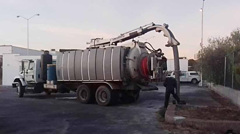 Realiza SAMA trabajos de limpieza y desazolve de drenajes en comunidades de Pinos