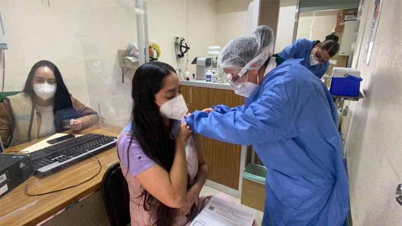 Zacatecas registra cobertura de 95.9% en aplicación de vacunas contra Covid-19 a personal de salud