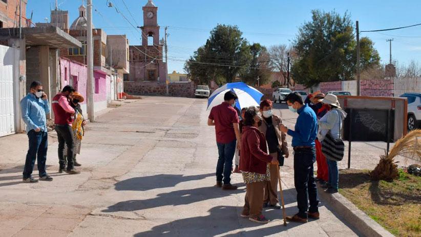 Entregan redes de drenaje y agua potable en la comunidad de Zóquite