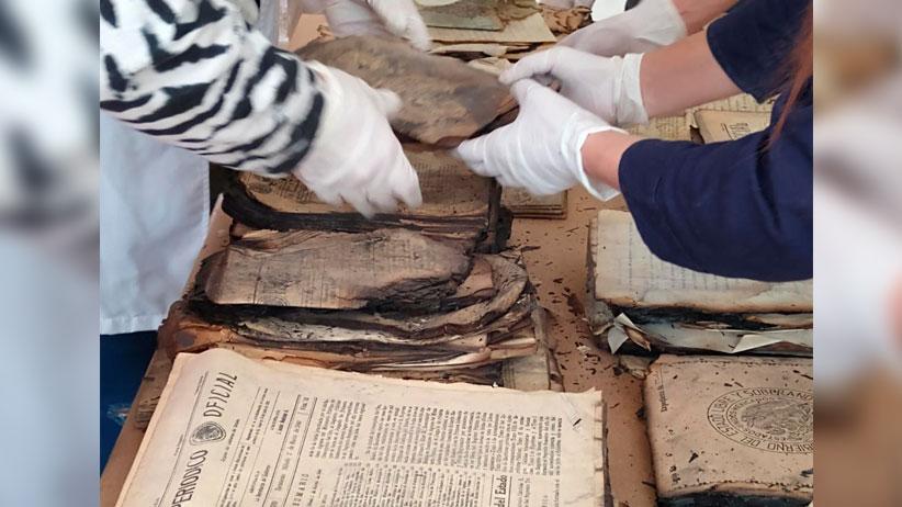 Inicia proceso de rescate de archivos históricos dañados en incendio de 1975