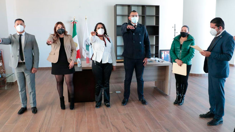 El Presidente Municipal, Martin Álvarez toma protesta a directores y jefes de departamento que estaban acéfalas