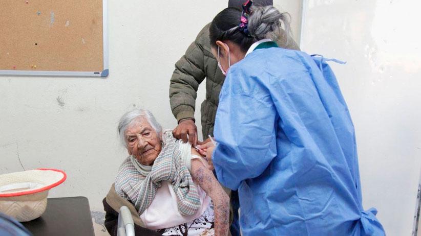 Con la aplicación de 8 mil 638 dosis de vacuna contra covid-19 concluye el primer día de actividades en Fresnillo