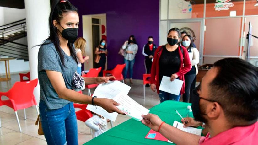 Otorga Gobierno Estatal subsidios para conectividad a jóvenes de 39 municipios