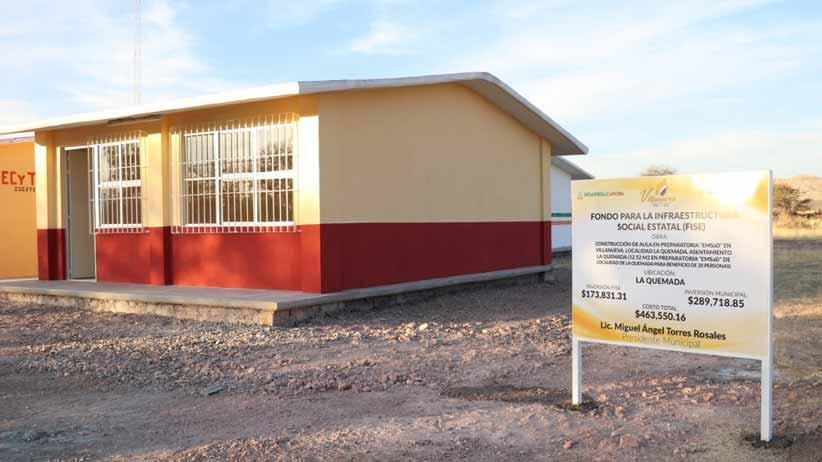 Entrega Miguel Torres red de alcantarillado, kiosco y aula en comunidades de Villanueva