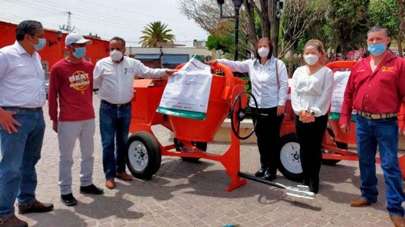Apoya Gobierno Estatal a pequeños comercios de Sain Alto con maquinaria y equipo