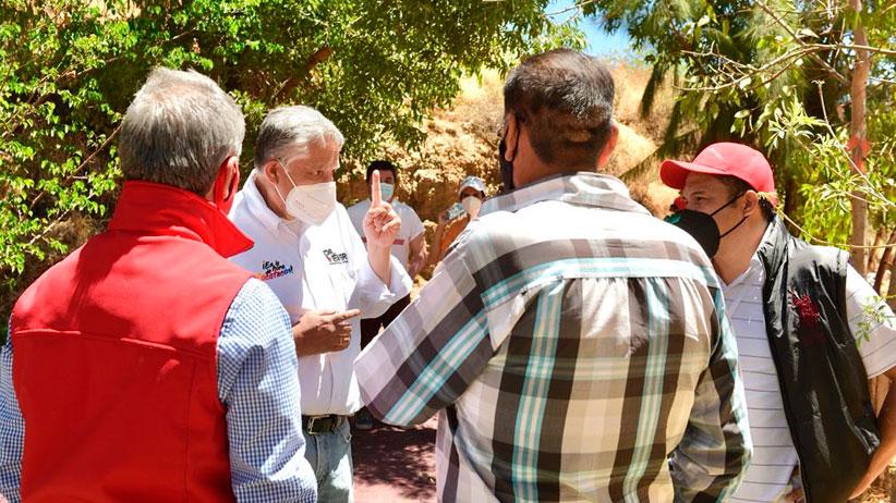Se compromete Verver con vecinos del Arroyo de la Pelota a pavimentación de calle