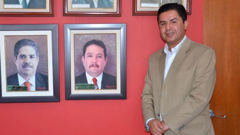 Colocan pintura de Gustavo Uribe Góngora en galería de expresidentes del PRI