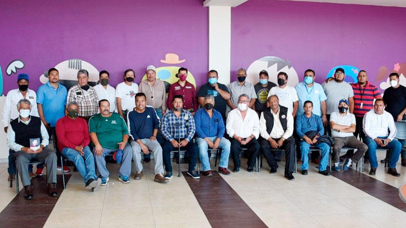 Transportistas, comprometidos con Julio César Chávez