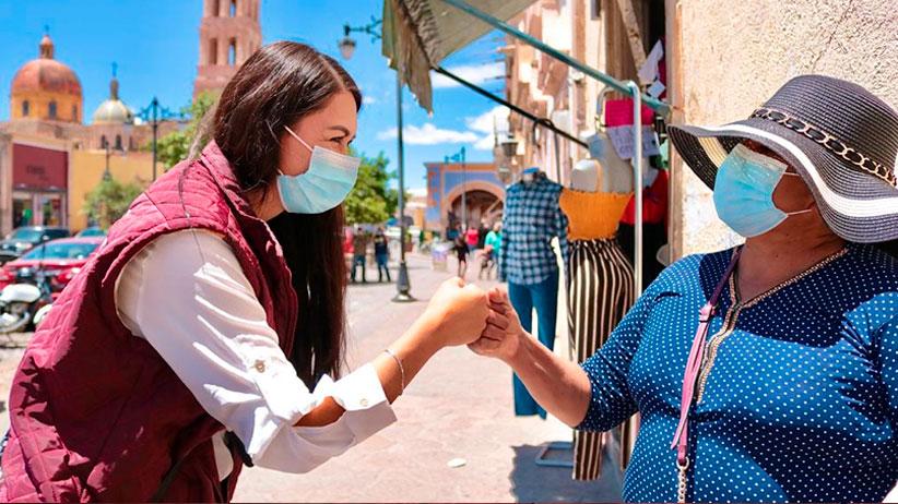 Bennelly Hernández escucha necesidades de Comerciantes
