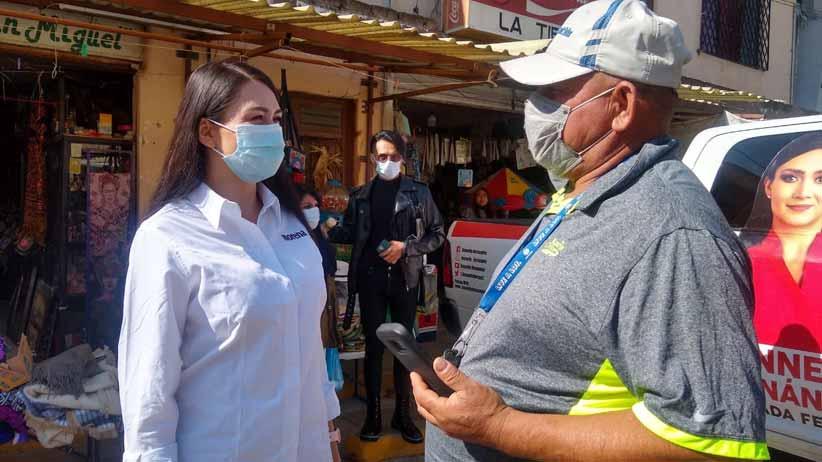 Bennelly Hernández arranca el primer día de campaña con visita a Plateros