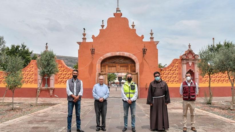Entrega César González restauración de muro perimetral del atrio en el Santuario de Guadalupe