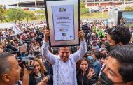 "Recibe David Monreal constancia como gobernador electo: ""Inicia la transformación de Zacatecas"""