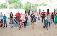 En productiva gira de trabajo entrega SEDIF Espacio DIFerente y bicicletas en Noria de Ángeles