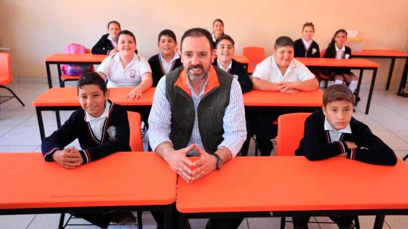 Saneamiento de las finanzas educativas, disminución del rezago escolar y más de 2 mil obras en escuelas, legado de Alejandro Tello