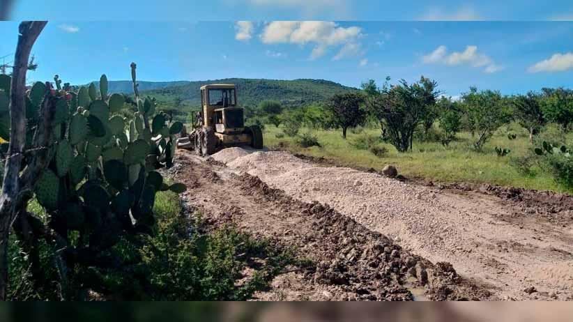 Se rehabilita camino en la comunidad de Fuentes
