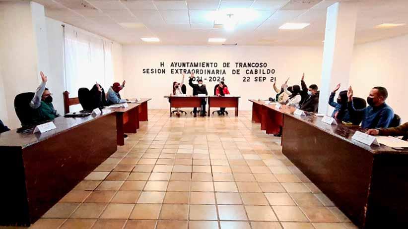 Toma protesta Toño Rocha a directores del ayuntamiento de Trancoso
