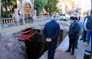 Trabaja Gobernador David Monreal en reparación del socavón de la Alameda