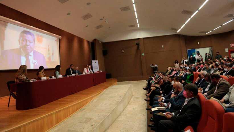 Debe la sociedad zacatecana participar en las decisiones de gobierno: David Monreal