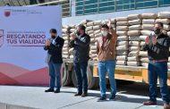 Entrega David Monreal, cemento al municipio de Guadalupe