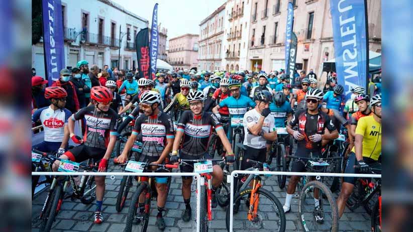 Con banderazo de salida, respalda Jorge Miranda Castro Maratón de Ciclismo