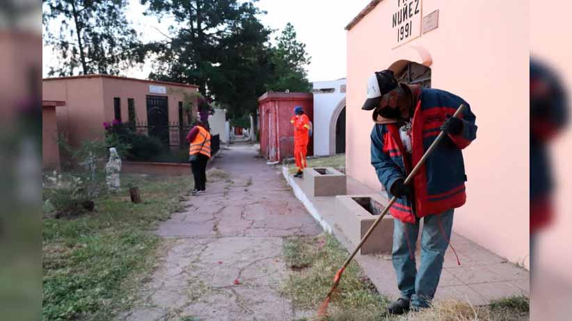 Inician  trabajos de rehabilitación en panteones en la capital